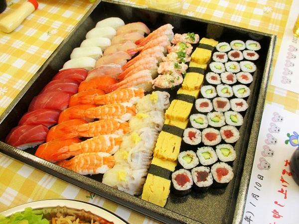お寿司も! お寿司はぐるめ亭。