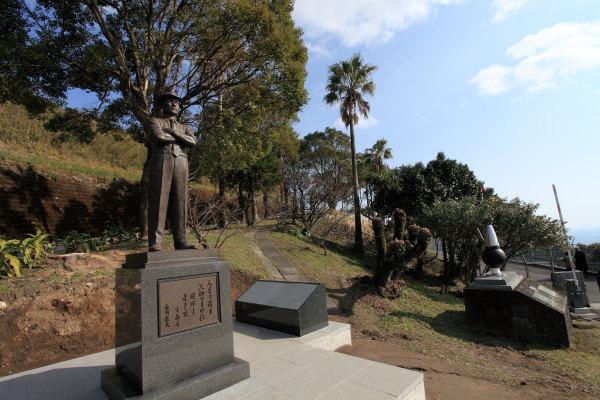 糸川さん銅像