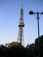 南側から見たテレビ塔