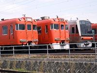 名鉄6600系(中央)