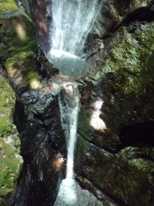 蜻蛉の滝下