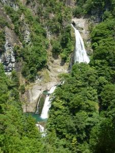 不動七重の滝全景