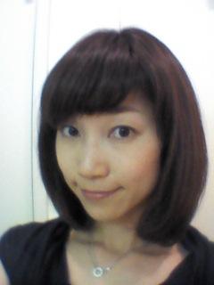 髪を切りました〜♪