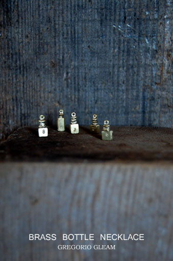 GREGORIO GLEAM 真鍮ボトルナンバーネックレス