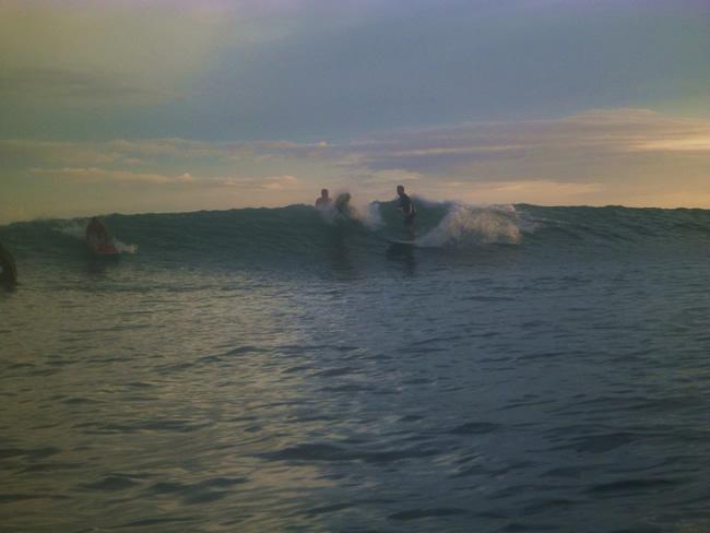 ポップス サーフィン