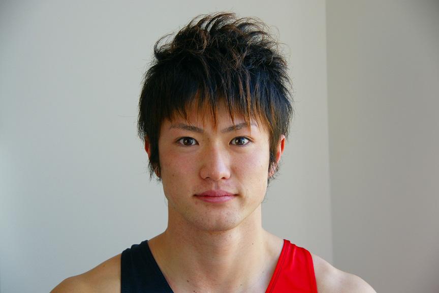 トランポリンの長崎峻侑選手です。 今まで、野球・サッカー・バレーボール・競泳・フィギュアと比較的