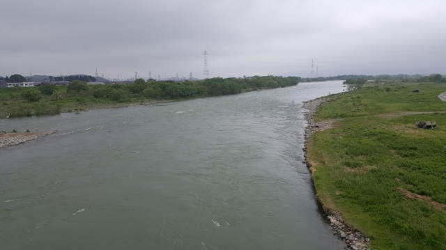 5月8日川写真ー2.jpg