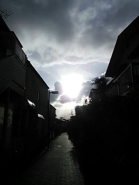 嵐の前.jpg