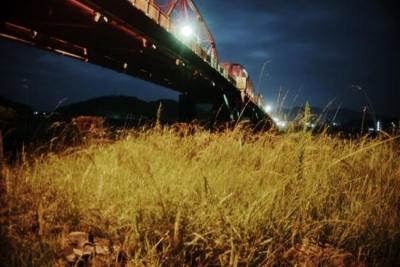 赤鉄橋下から