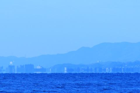 琵琶湖大橋西詰めの街並み