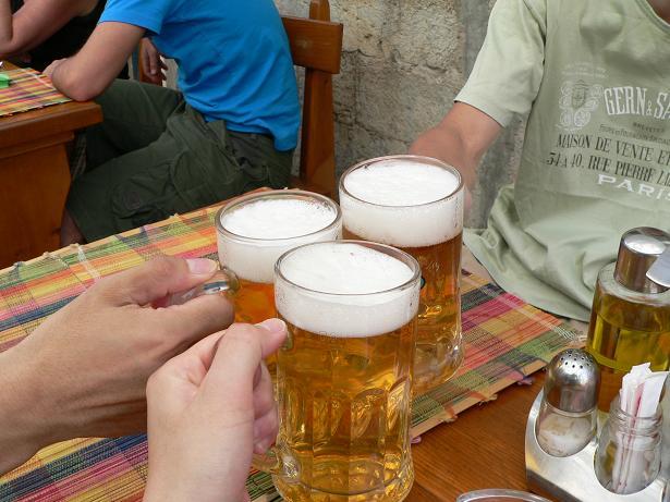 この旅初めてのビール