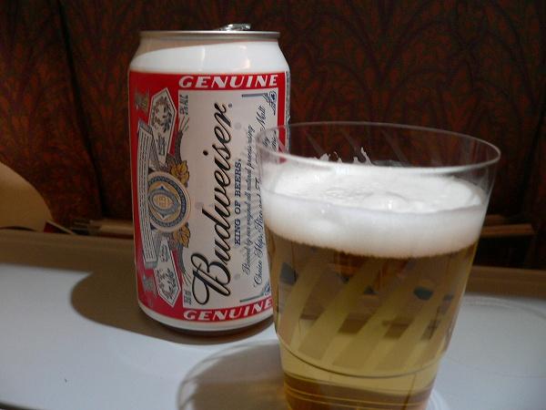 機内のビールは旨い☆