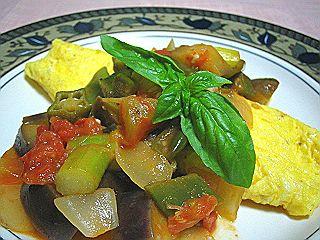 プレーンオムレツ 夏野菜のカポナータ添え