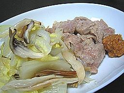 豚ロースの白菜蒸し にんにく味噌添え