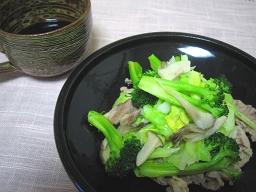 春キャベツと豚肉の炒め蒸し