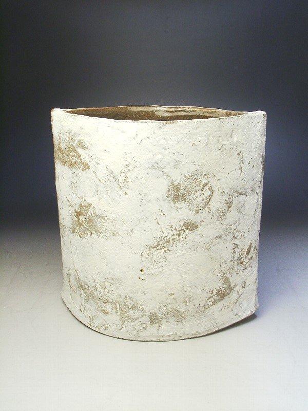 陶器の白化粧花器