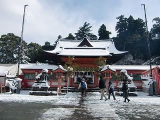 雪の高良大社