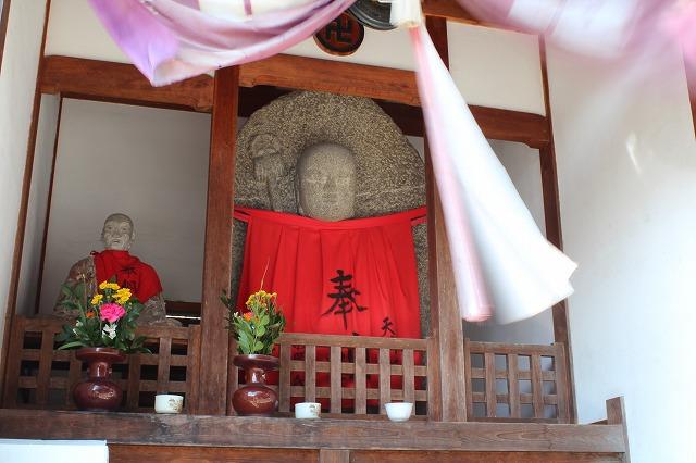 s-IMG_1747 1332 斑鳩神社近くにて〜道端のお地蔵さん.jpg