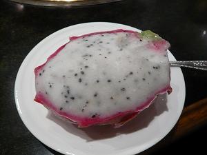 ドラゴンフルーツシャーベット(焼肉ベル)