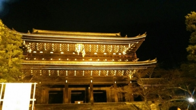 年明けの知恩院三門.jpg