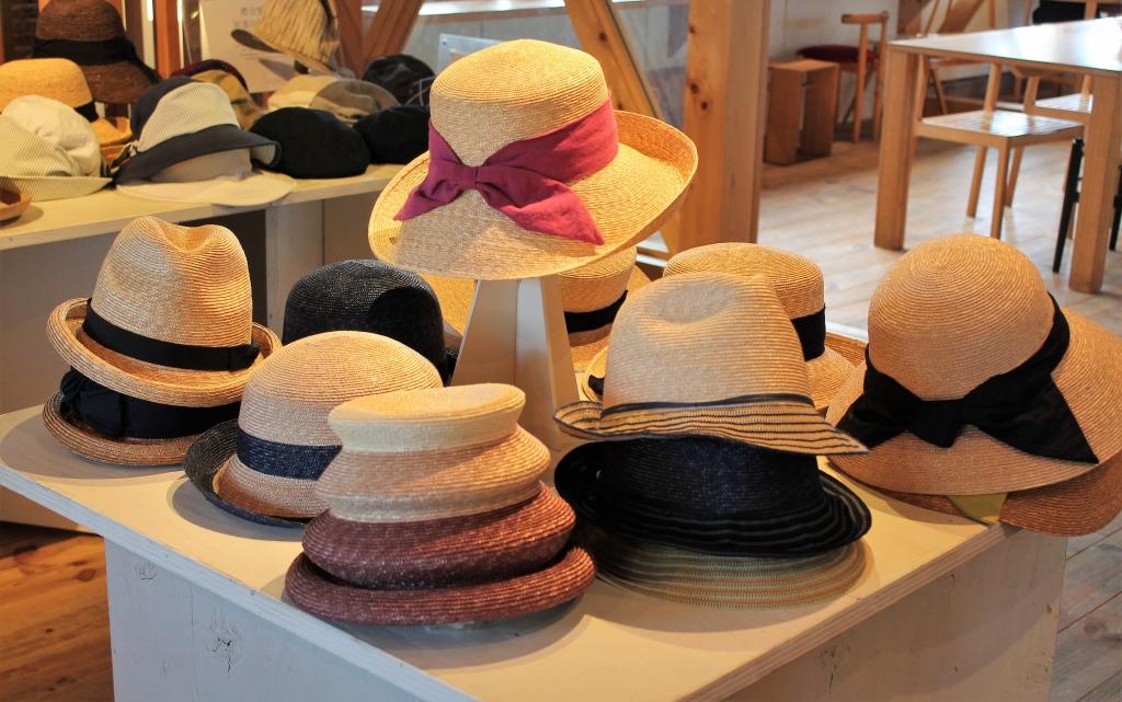 初夏の襟立製帽展 開催中です