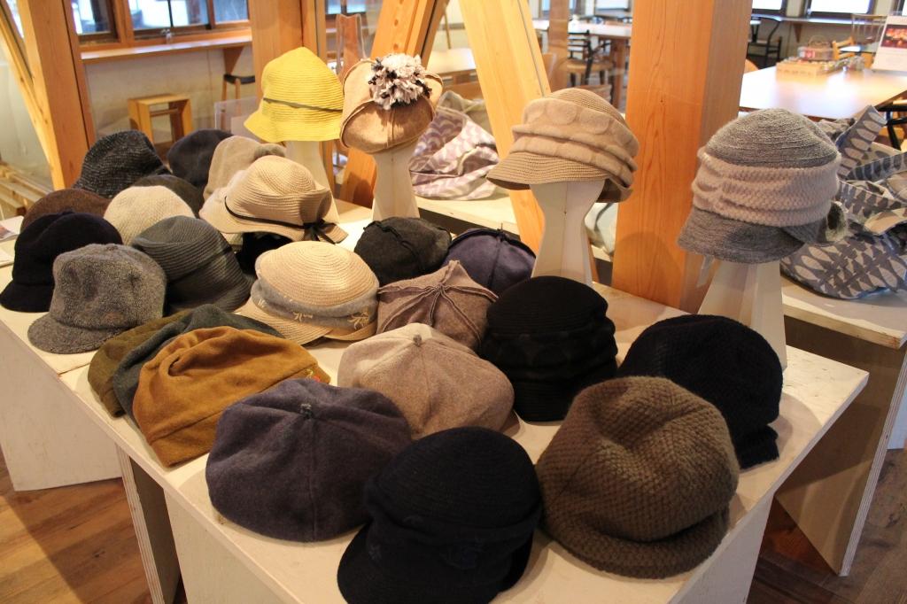 襟立製帽所 冬の帽子展