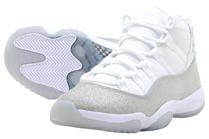 NIKE WMNS AIR JORDAN 11 RETRO ar0715-100