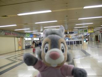 朝6時15分の札幌駅です!