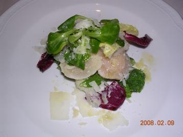 帆立とブロッコリーとチーズの前菜