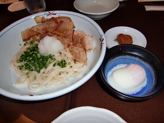 生醤油うどん温泉玉子&梅