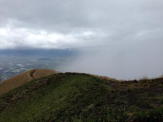 10大観峰登る雲