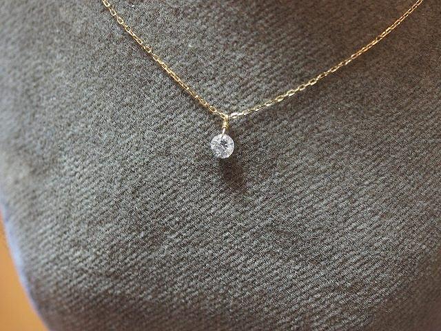 レーザーホールダイヤモンドネックレス