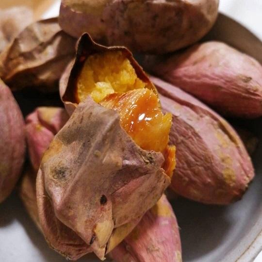 安納芋は焼き芋にすると蜜があふれだす「蜜芋」をぜひ通販でお取り寄せしてご賞味ください。
