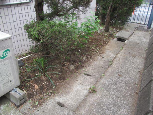 アパート草刈1