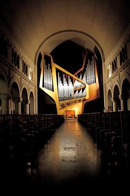 ベルギーのchant d'oiseaux教会のオルガン(パリ・Saint-Eustache教会の主任オルガニスト Jean Guillouが音色設計に関わったオルガン)