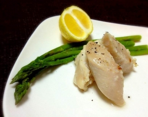 アスパラと蒸し鶏の黄金柑ソース