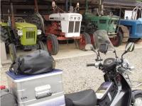 旧いトラクター