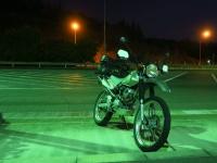 深夜の高速道路