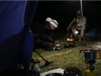 テント内1