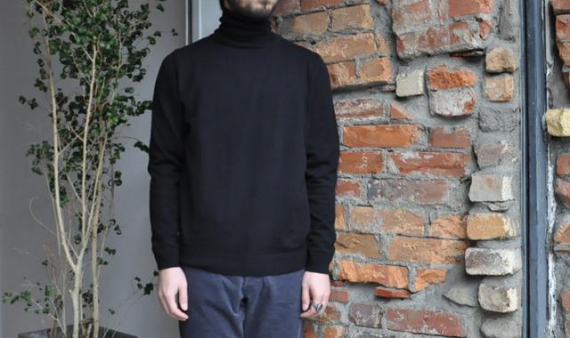 YAECA / 33G cotton cashmere タートルーネック(Men's)