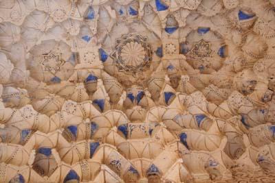 天井の彫刻(アップ)