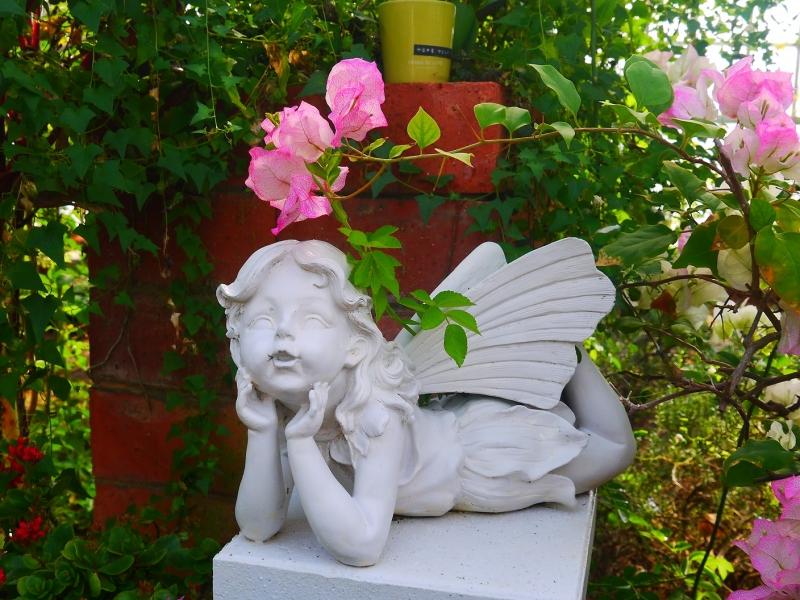 天使と花.jpg