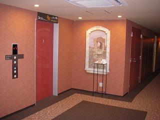 ウィンズラジャ舞浜ユーラシア・エレベーターホール
