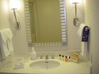 アンバサダーホテル・スーペリア・洗面台