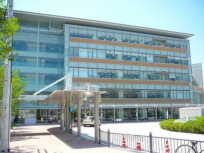 右京区役所建物