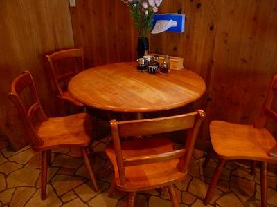 テーブル席があります。