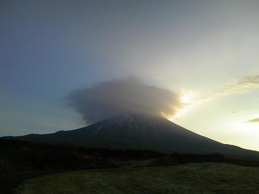 アフロヘアーの富士山