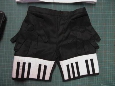 ピアノを弾くパンツ