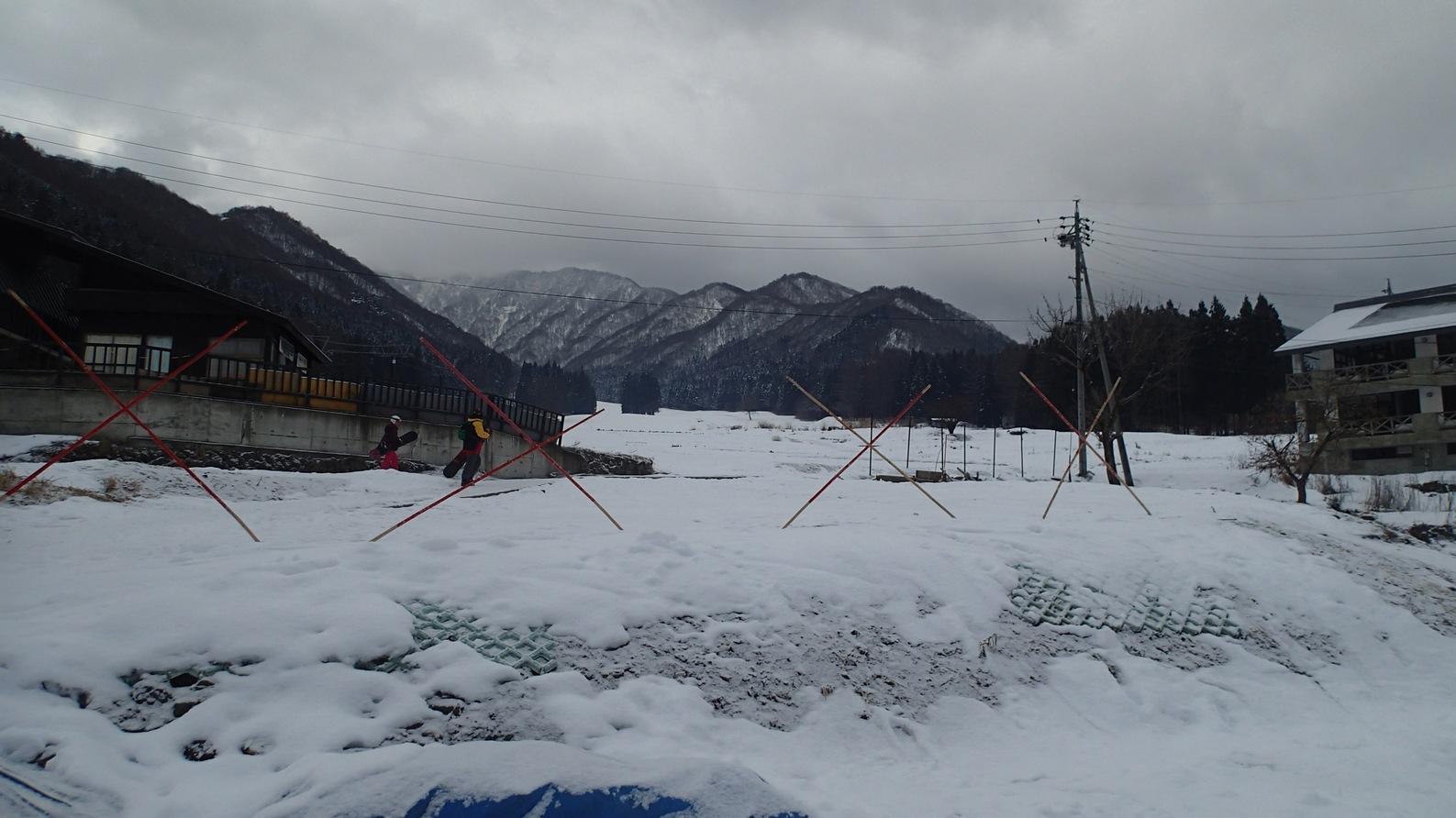 2016-01-16_雪の無い柄沢