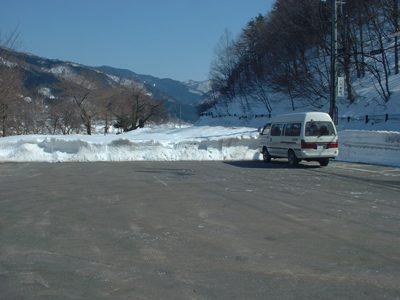 除雪された駐車場